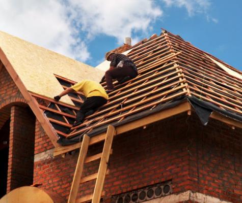 Rénovation d'un toit et des tuiles